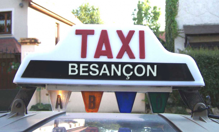 Taxi_Lumineux