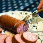 L'homme: une menace mortelle pour les saucisses de Morteau et de Montbéliard?
