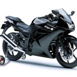 Sécurité routière: les roulettes latérales seront obligatoires à l'arrière des motos à partir du 1er juillet 2018